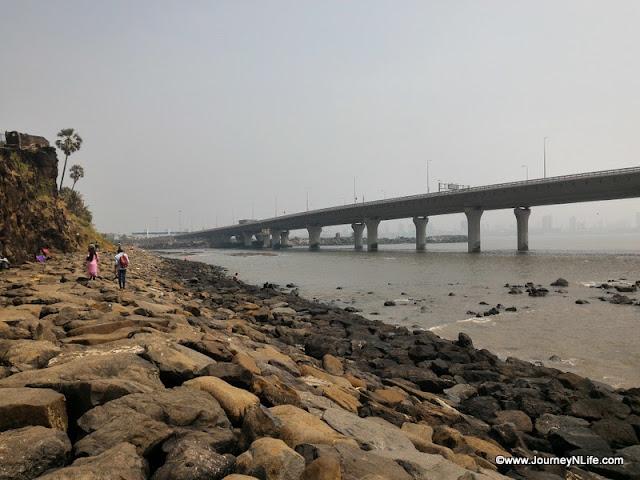 Bandra Worli sea link road