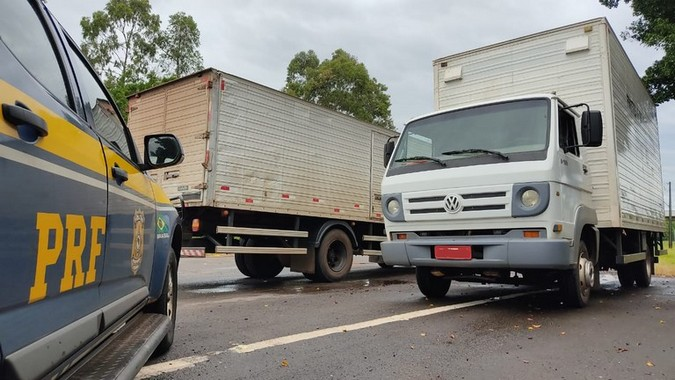 PRF apreende caminhões roubados que serviriam para o transporte de ilícitos no Paraná