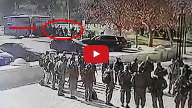 VIDEO: Detik-Detik Warga Palestina Serudukkan Truk Ke Sekelompok Pasukan Israel