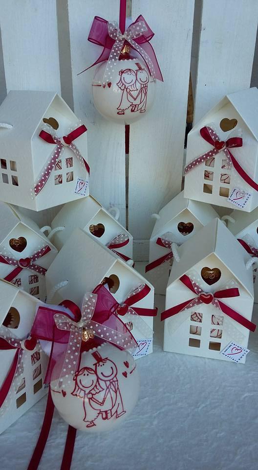 Bomboniere Matrimonio Periodo Natalizio : Ceramica come mestiere pallina di natale con sposini