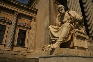 Belajar Memahami Filsafat dari Ciri-Ciri Berfilsafat