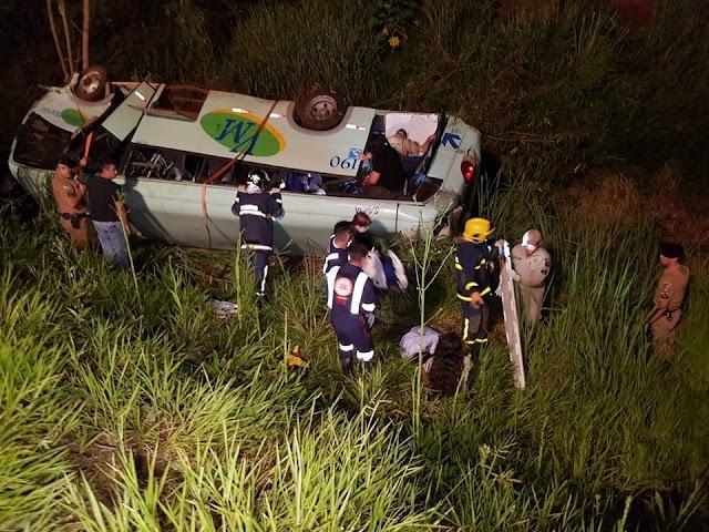 Trágico acidente com Micro-ônibus deixa mortos e feridos em Campo Mourão
