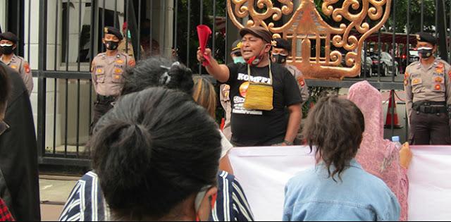 Geruduk Kemendagri, Orator: Otsus Papua Milik Rakyat, Saatnya Dievaluasi!