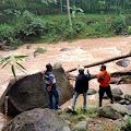 Berteduh Dibawah Jembatan, Empat Pemancing Terseret Banjir, Dua Korban Selamat, Satu Meninggal serta Satu Korban Belum Diketemukan