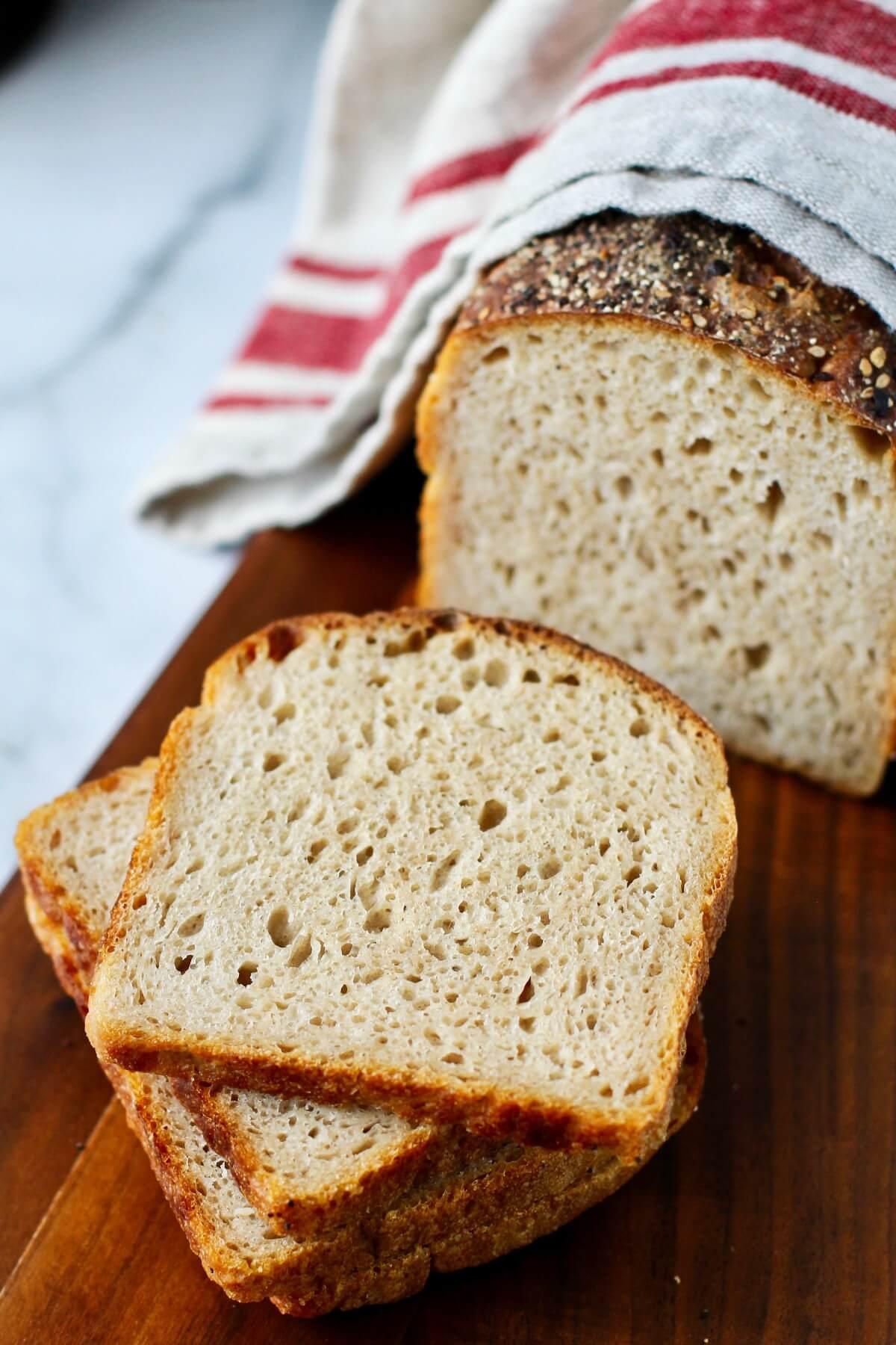 No knead sourdough sandwich bread sliced.
