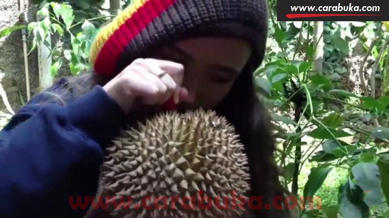 Tips Cara Memilih Durian Matang dan Manis 8