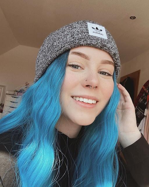 Lara Schildizzl 10