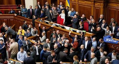 """Зеленському не вдалося продавити """"у турборежимі"""" відкриття ринку землі"""