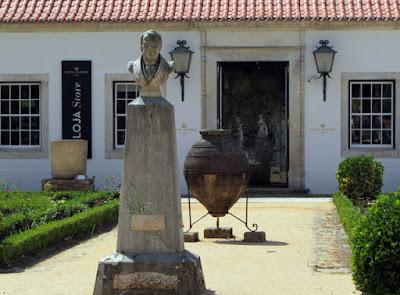 fachada de loja no Museu da Vista Alegre