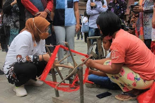 Kunker ke Samosir, Dr. Hj. Ida Fauziyah: Kemenaker Juga Sangat Concern Mempertahankan Keterampilan Tradisi Masyarakat Batak