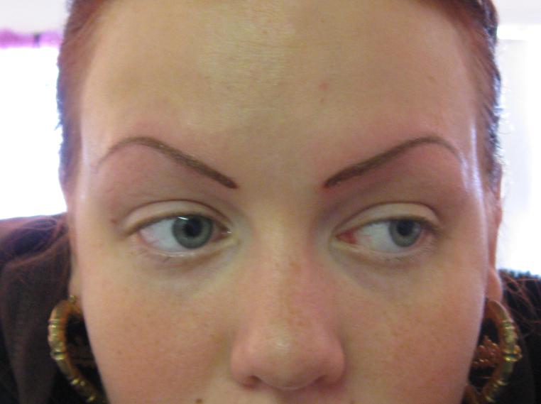 Tattooed eyebrows - Permanent Eyebrow Tattoos