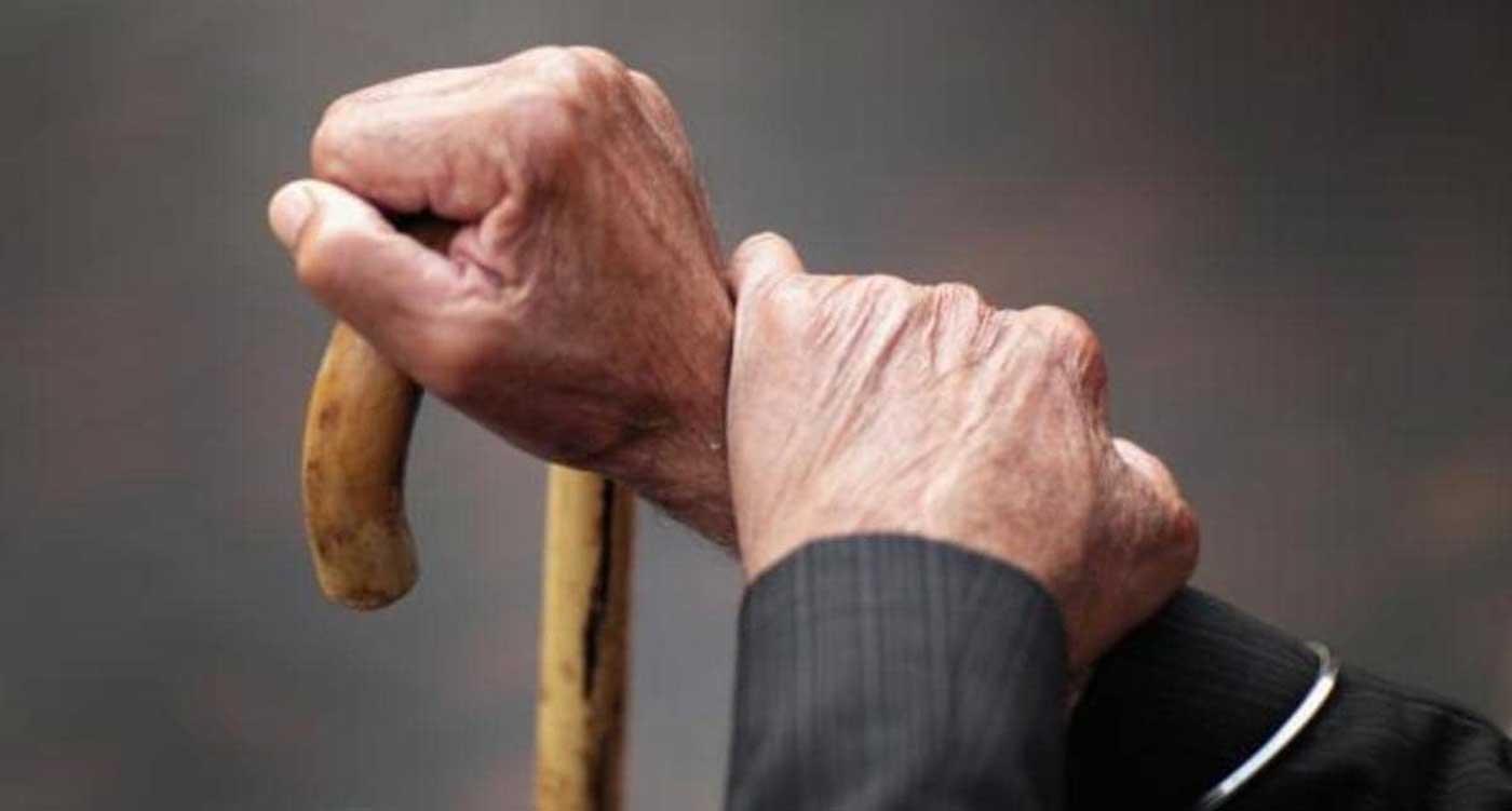 قصة جديدة بقلمي بعنوان أحسن لكبار السن