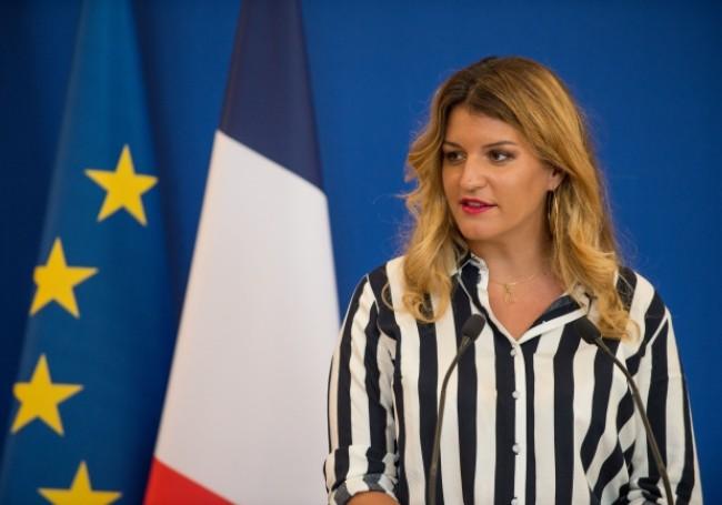 """Marlène Schiappa annonce la fermeture de 250 lieux """"qui prêchaient une idéologie séparatiste"""" en trois ans"""