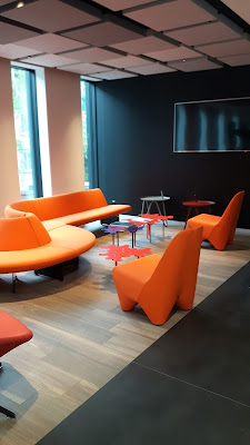 Chill-Area im Ibis Styles Basel City