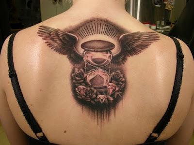 tatuajes para mujeres en la espalda con nombres