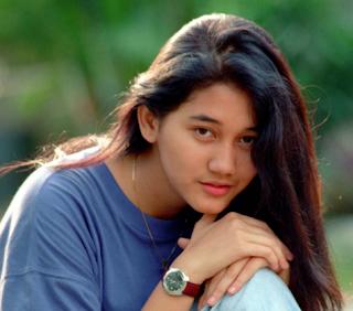 Kumpulan Lagu Mp3 Terbaik Nike Ardila Full Album Seberkas Sinar (1989) Lengkap