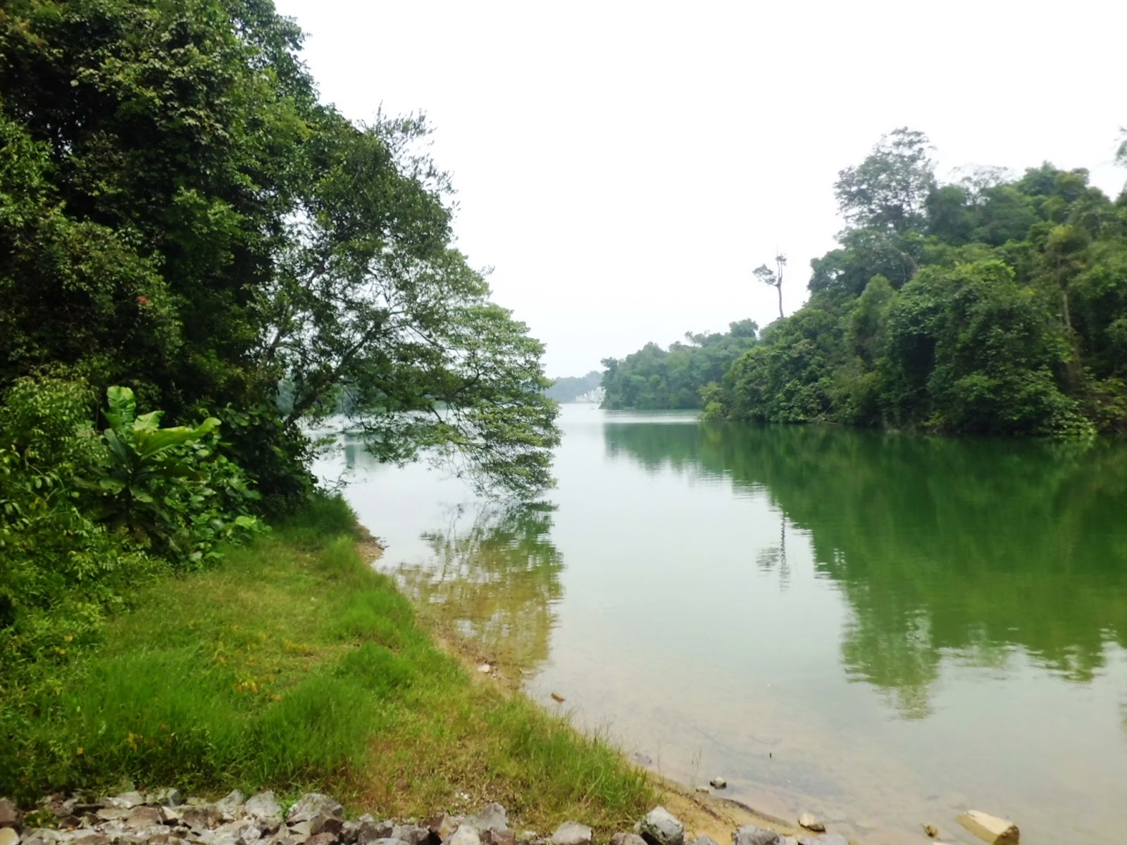 It is possible that Linggiu may fail, compromising the viability of the Johor River source and the reliability of imported water.