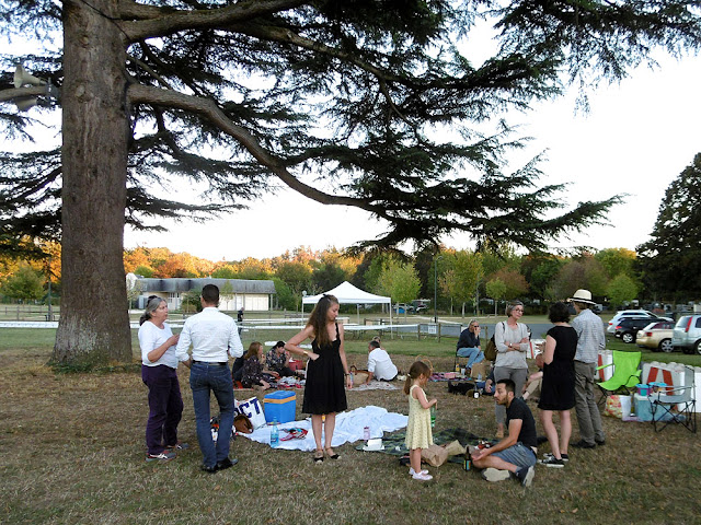 Picnicking on the Ile d'Or, Amboise, Indre et Loire, France. Photo by Loire Valley Time Travel.
