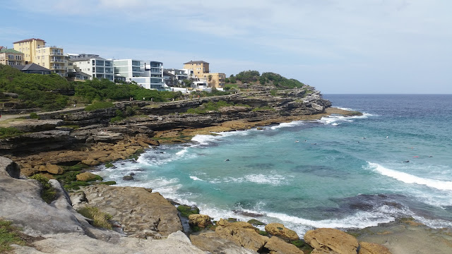 camminata Bondi to Coogee, scogliere sull'oceano