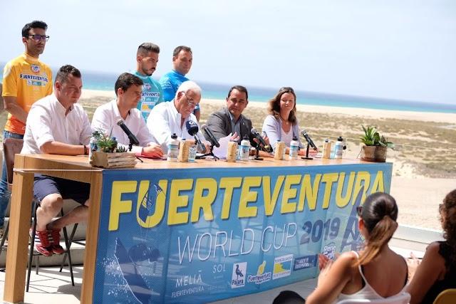 Fuerteventura.- Presidente del Cabildo pide que en la  edición del Campeonato de Windusrf y Kiteboard 2020 volumen de premios sea igual para hombres y mujeres