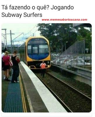 Jogando Subway Surfers