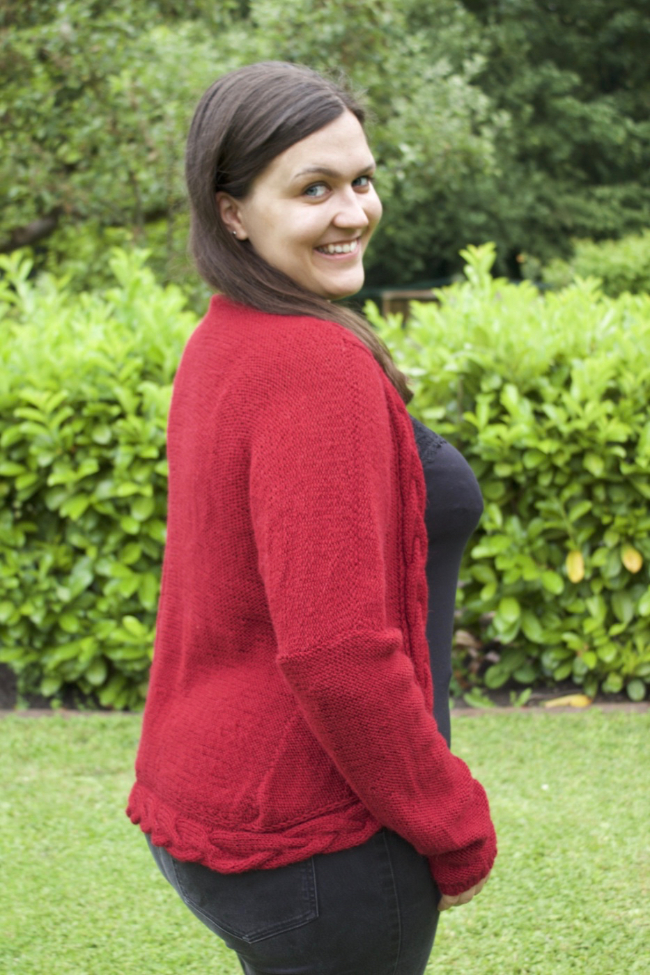 Davos Cardigan von We are Knitters in rot