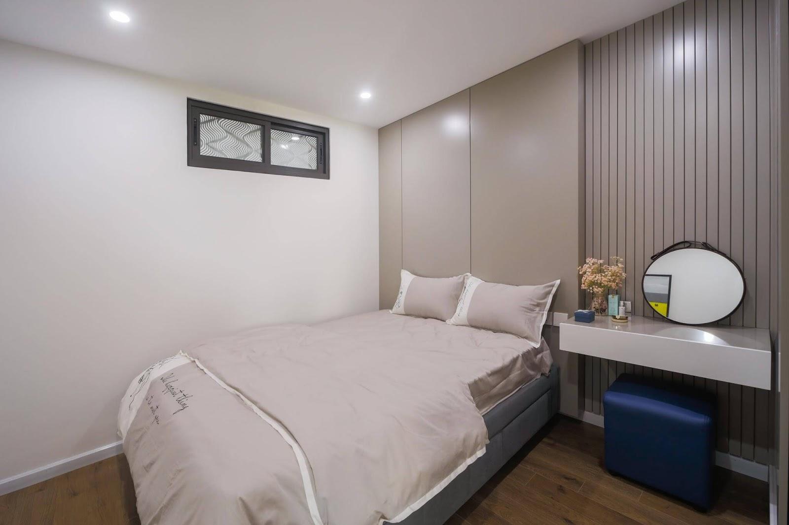 Phòng ngủ nhỏ với thiết kế rộng rãi, tinh tế.