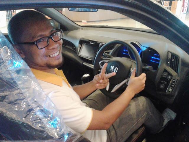 Yayan Abdhi @ an Auto Show - Palembang