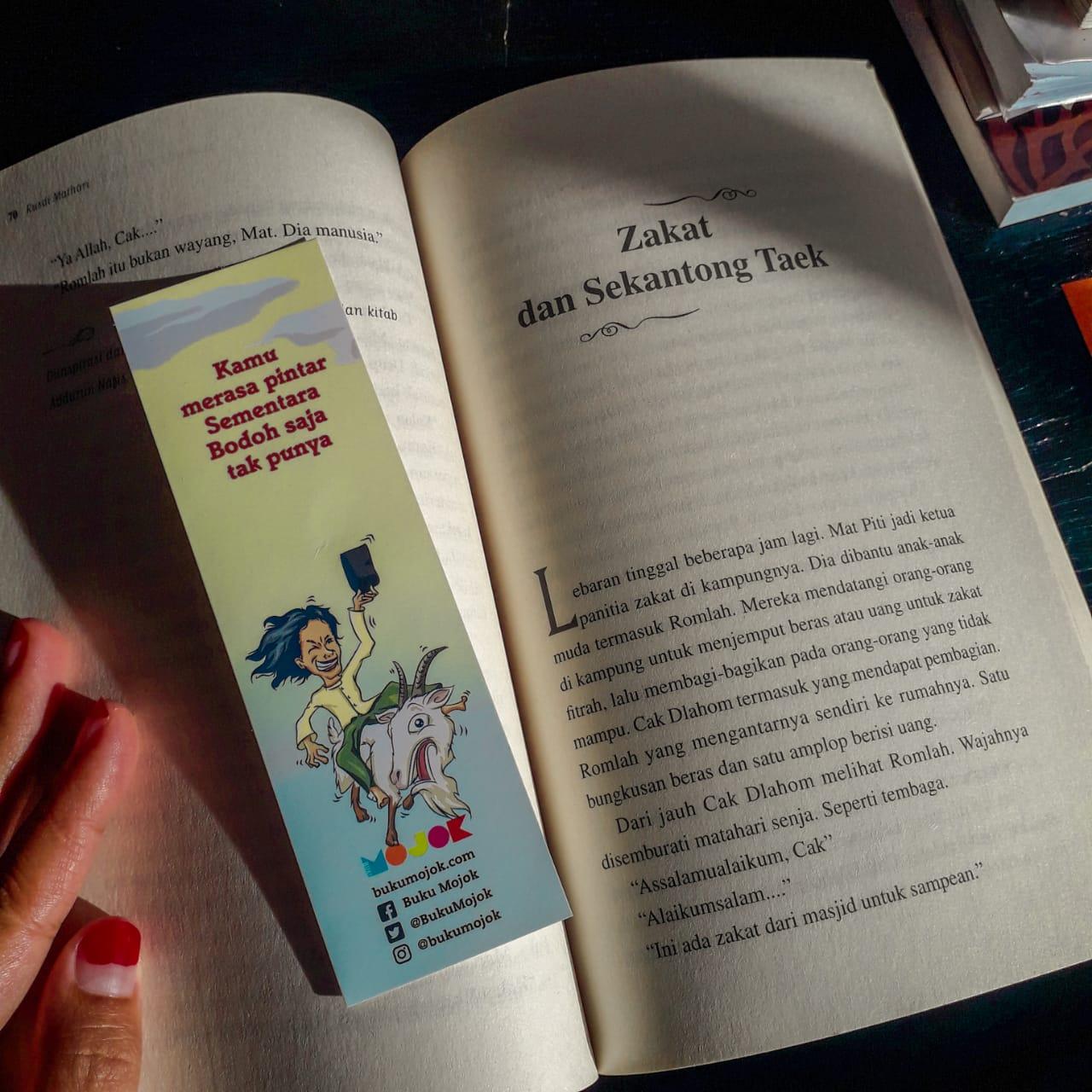 Buku Merasa Pintar Bodoh Saja Tak Punya Kisah Sufi dari Madura