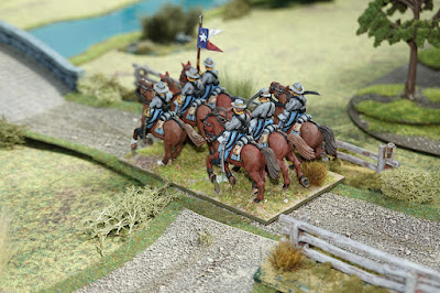 Confederate cavalry move towards the bridge