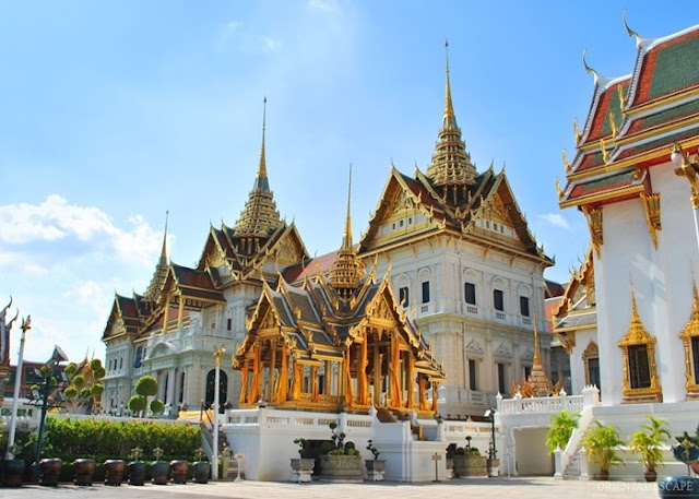 Thai Royal Palace - a beautiful architectural masterpiece of golden temple country