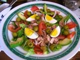 Ensaladda Mixta con Salsa de Yogur y Nueces