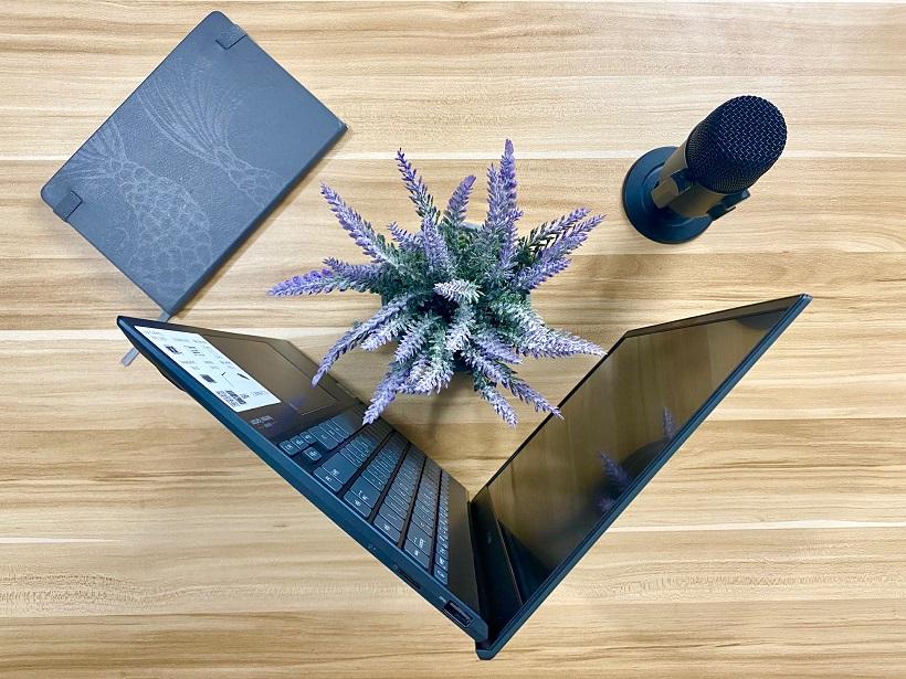 ASUS Zenbook 13 UX325 Unboxing ErgoLift