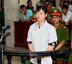 Cấn Thị Thêu rại phiên tòa năm 2014
