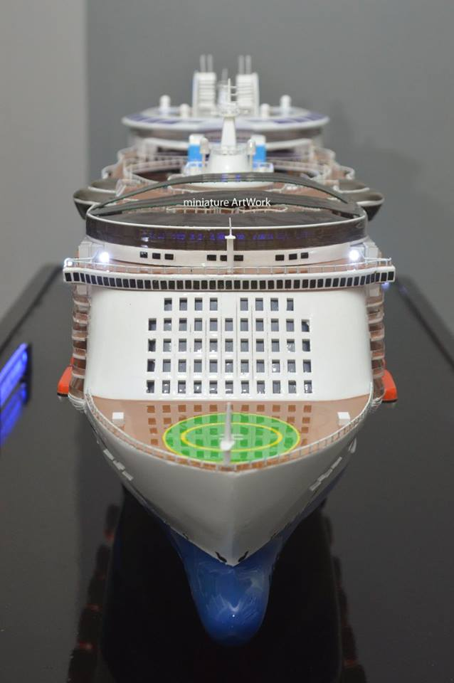 jual miniatur kapal pesiar oasis of the seas royal caribbean international cruises ship terpercaya