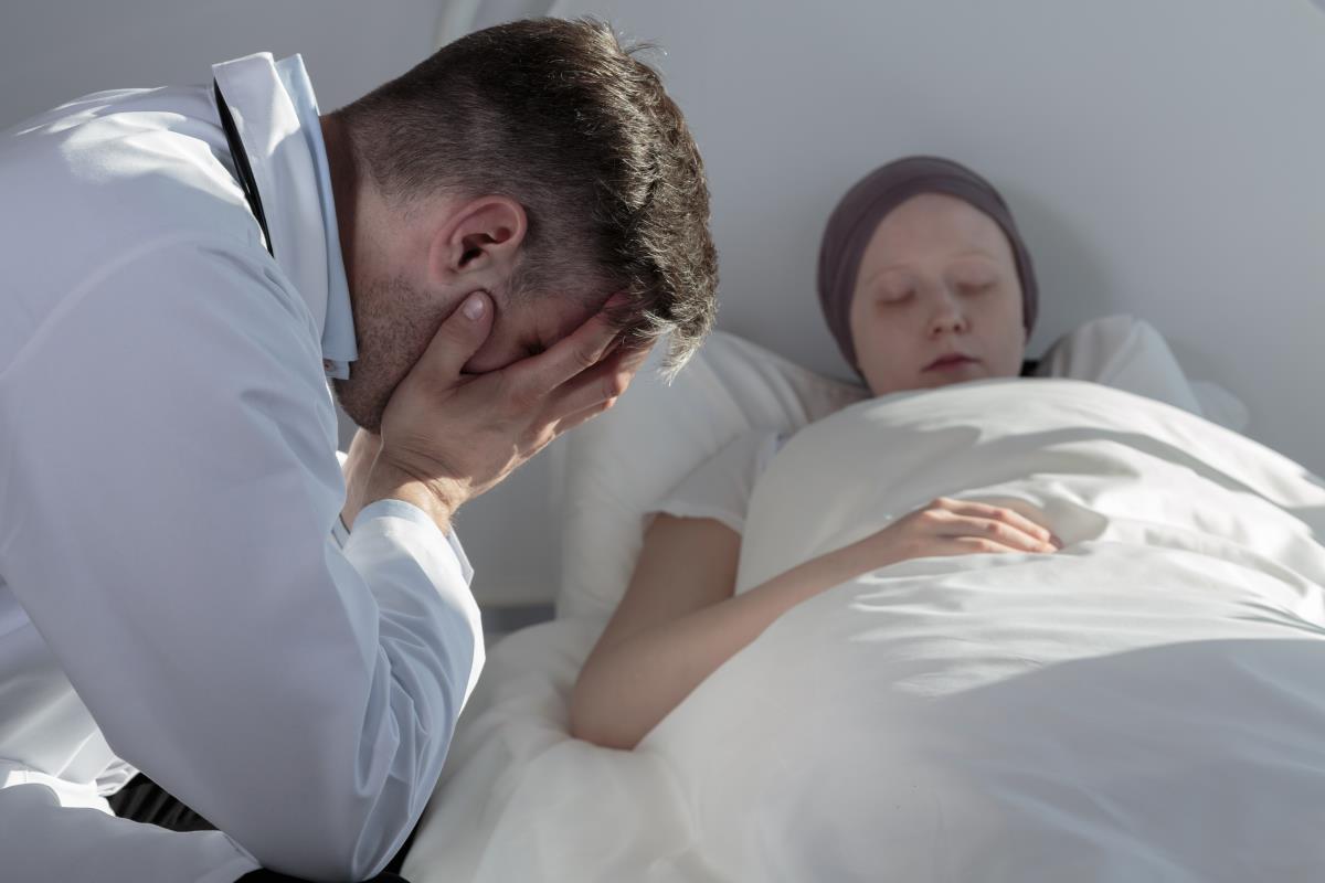 Indústria do Câncer: Não querem cura, e alternativa natural
