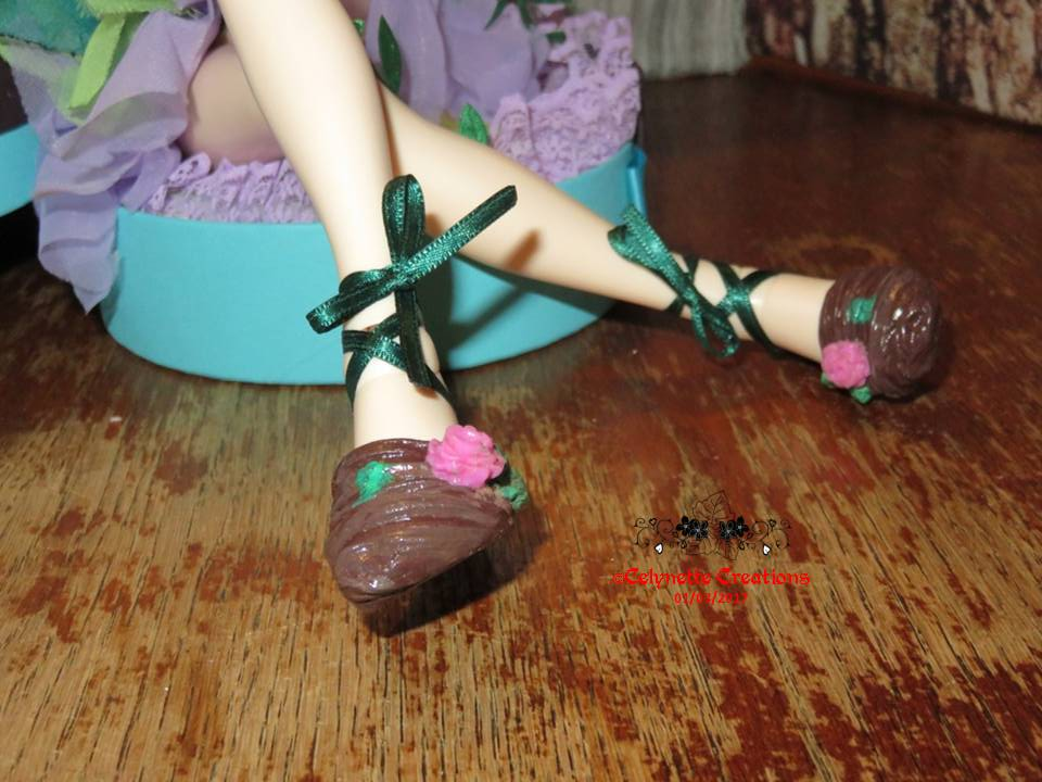 Créas-Fimo -  1 bête des chaussures feuilles (p9) + 1 bûche - Page 10 Diapositive3