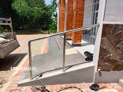 Plang Nama Besi dan Handrail Tangga Stainless pesanan Masjid Albasith Gunung Sindur
