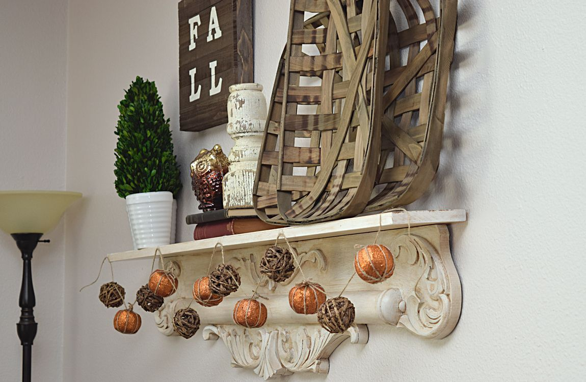 DIY fall pumpkin garland