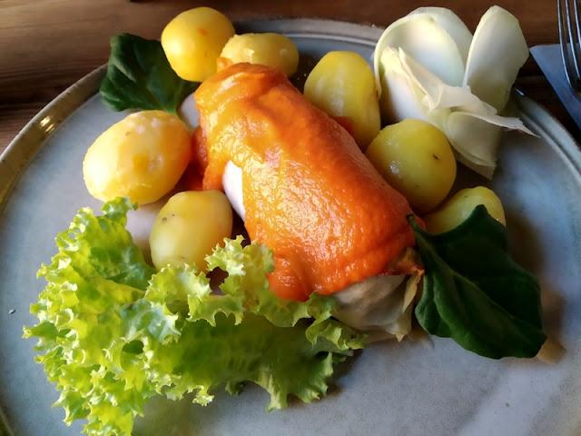 ziemniaki, sałata, mięso, źrebięciarnia, potrawy, obiad