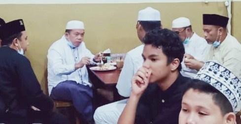 sarapan usai sholat subuh masjid taufik
