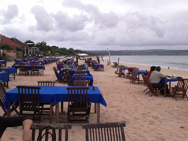 Senja di Pantai Jimbaran, Bali