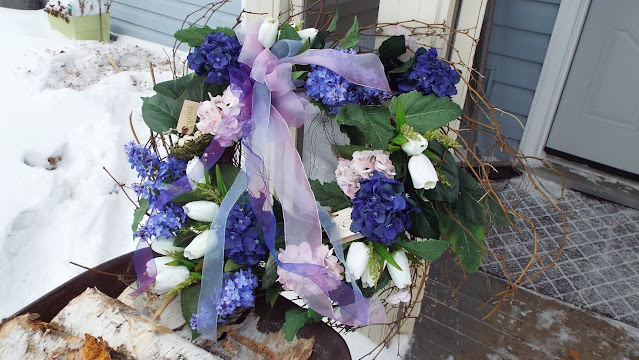 Hydrangea Twig wreath with tulips