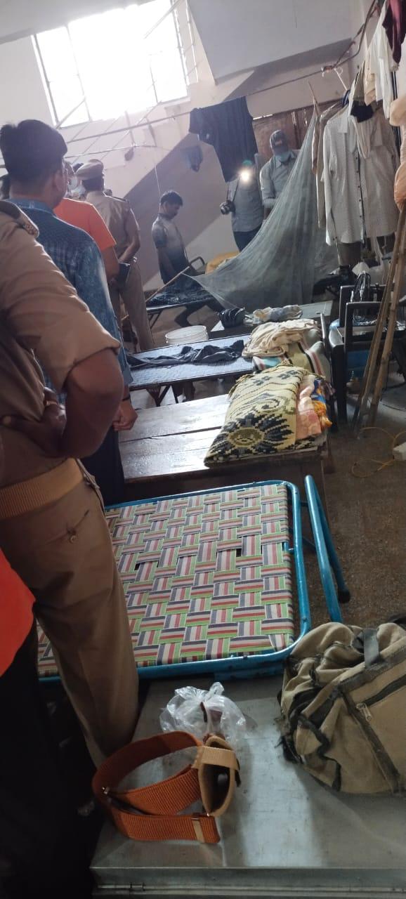 वाराणसी: पुलिस लाइन में सिपाही का शव मिलने से हड़कम्प
