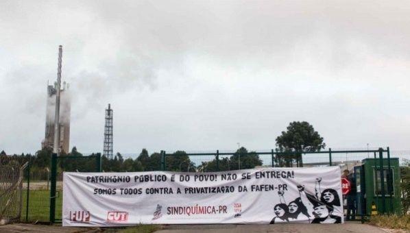 Continúan protestas en Brasil contra privatización de Petrobras