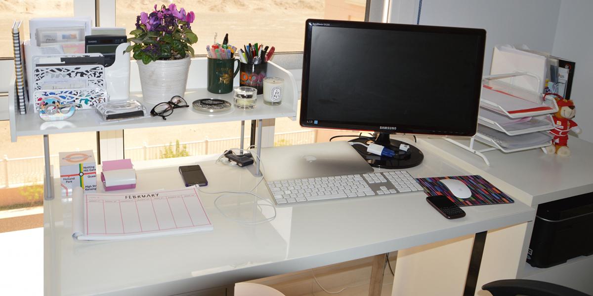 Trang trí bàn làm việc đẹp giúp kích thích sự sáng tạo