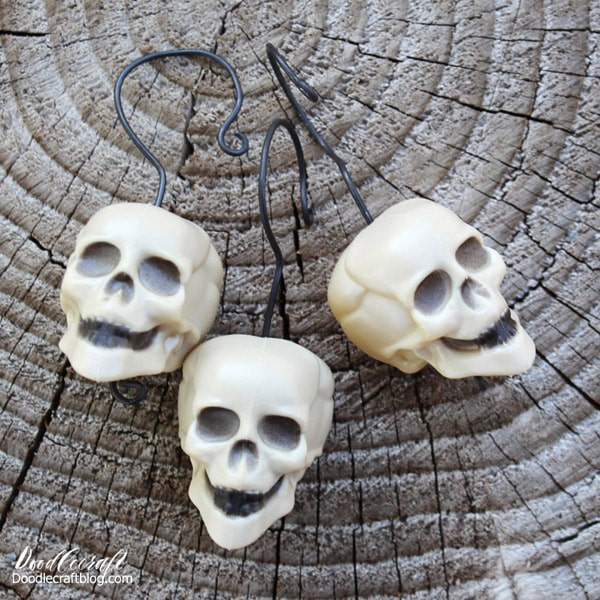 How to make miniature skull head hanging ornament decoration for a Halloween tree