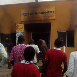 #SayNoToXenophobia: Angry Nigerians Burn Down MTN Office In Apapa, Lagos.