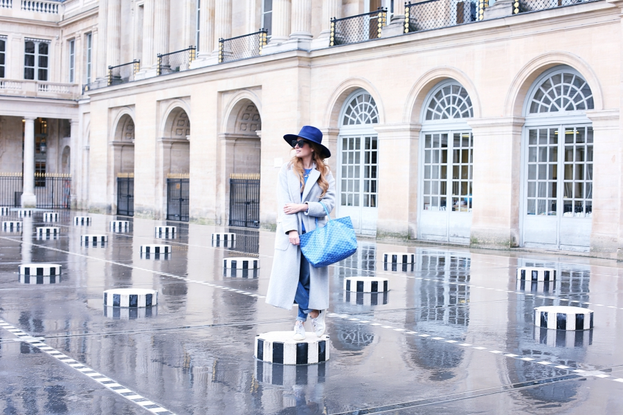 LOOK CON MAXI ABRIGO – PALAIS ROYAL – PARIS  c93e498e1dd