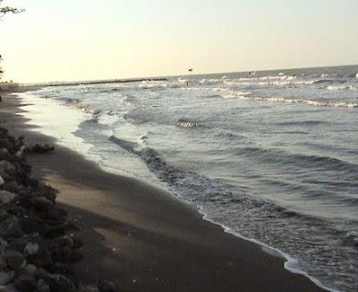 Pantai Tirtamaya  Indramayu  Jawa Barat Pantai Tirtamaya  Indramayu  Jawa Barat Objek Wisata Pantai di Jawa Barat Yang Paling Bagus Buat Liburan